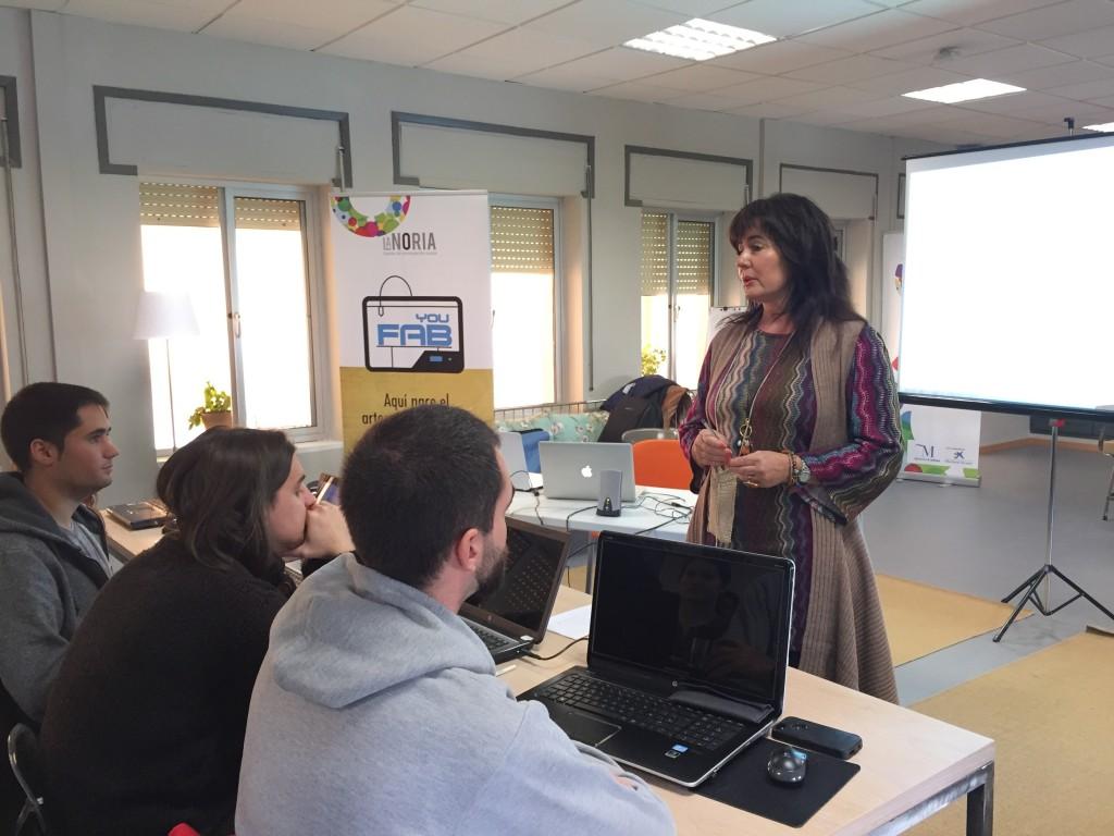 Resurrección Hernández inaugura el curso youFAB 2.0